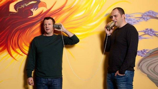 Основатели WhatsApp Брайан Эктон (слева) и Ян Кум