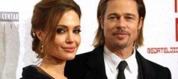 Анджелина Джоли, Брэд Питт и их подросшие дети снялись в романтичной фотосессии