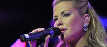 Певица Анастейша удалила себе обе груди
