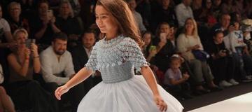 7-летняя дочь Ани Лорак дебютировала на подиуме в Москве
