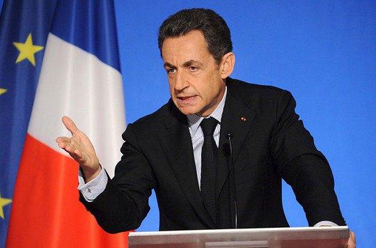 Николя Саркози, напротив, изменил французской моде