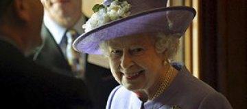 Британская королева просит Кейт Миддлтон поторопиться с родами