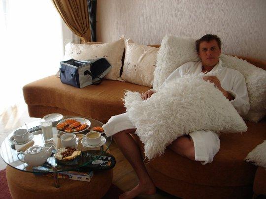 Егор Пеклушенко заявил, что занимается спортом и не ходит по ночным клубам