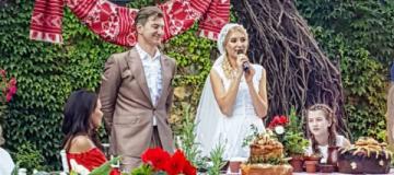 Никитин и Горбачева отгуляли пышную свадьбу в старинном замке