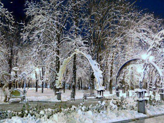 Парк кованых фигур и мост влюбленных в Донецке