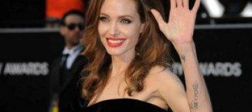 Анджелина Джоли сыграет саму себя