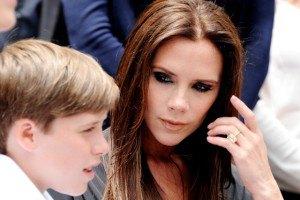 Виктория Бекхэм забыла сына по дороге в школу