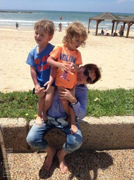 Марте и Артему в феврале исполнилось три года