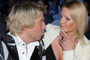 Басков и Волочкова целуются на публике