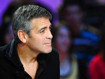 Джордж Клуни побывал на частной вечеринке Берлускони