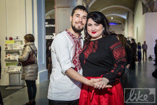 Виктор со своей невестой Ольгой, с которой он познакомился после ранения в госпитале