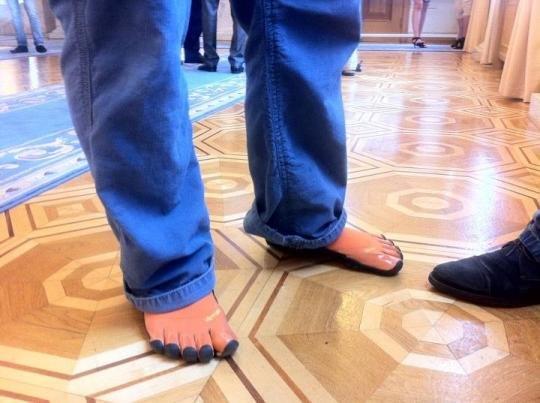 """Необычные """"пятипалые"""" ботинки Пояркова"""