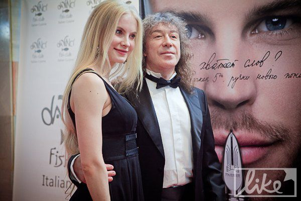 Российский музыкант Владимир Кузьмин с женой