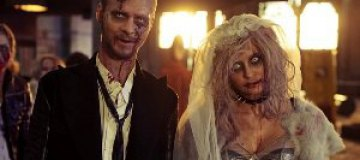 Макс Барских подарил партнерше окровавленную куклу Барби