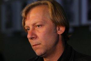 Актер Виктор Раков усыновил ребенка