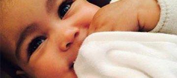 Ким Кардашьян наняла двойника для годовалой дочери