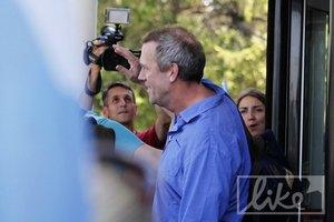 Хью Лори прилетел в Киев