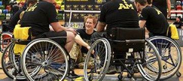 Принц Гарри сыграл в волейбол с паралимпийцами
