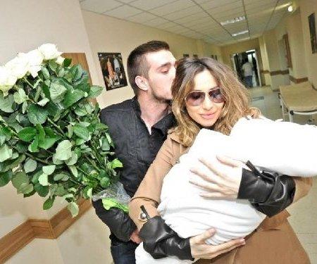 Светлана Лобода с мужем и дочкой
