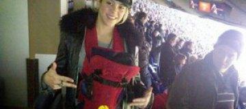 Шакира пришла на футбольный стадион с новорожденным сыном