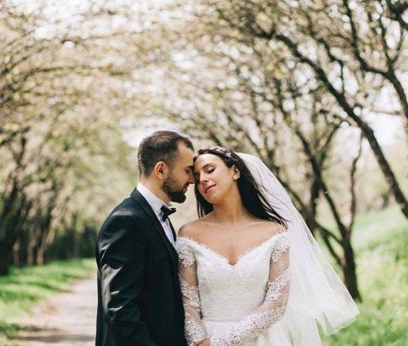 Джамала поделилась первыми романтичными снимками со свой свадьбы