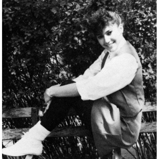 Дженнифер Лопес (Jennifer Lopez), Preston High School, Bronx, Нью-Йорк, 1987 год