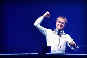 "Armin van Buuren: ""Мои мысли и молитвы с Украиной"""