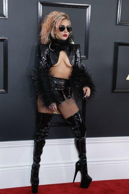 Леди Гага выбрала образ как в лучшие свои времена