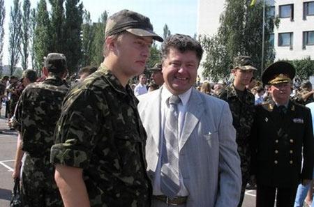 Сын Петра Порошенко Алексей тоже учится в Англии