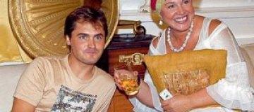 Любовник Бабкиной подарил ей самодельные свечи