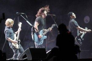 Лидер Foo Fighters опроверг слухи о распаде группы