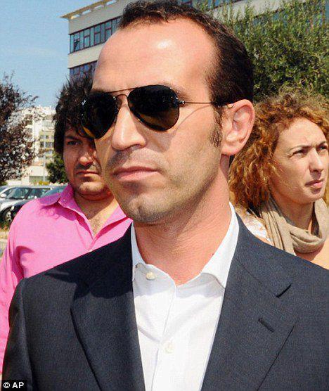 """Джампаоло Тарантини, """"поставляющий"""" Берлускони девочек"""