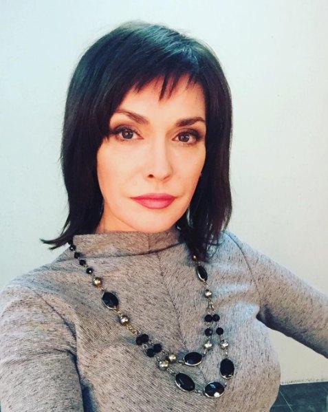 Ольга Сумская изменила привычному блонду?