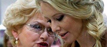 """Мама Собчак считает, что """"бомж-Яшин"""" подвергает ее дочь опасности"""