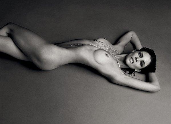 """Знаменитая модель Либерти Росс обнажилась для нового номера журнала """"Love Magazine"""""""