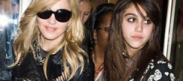 Мадонна высказалась по поводу курения 15-летней дочери