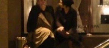 Земфира с Литвиновой курили под гостиницей