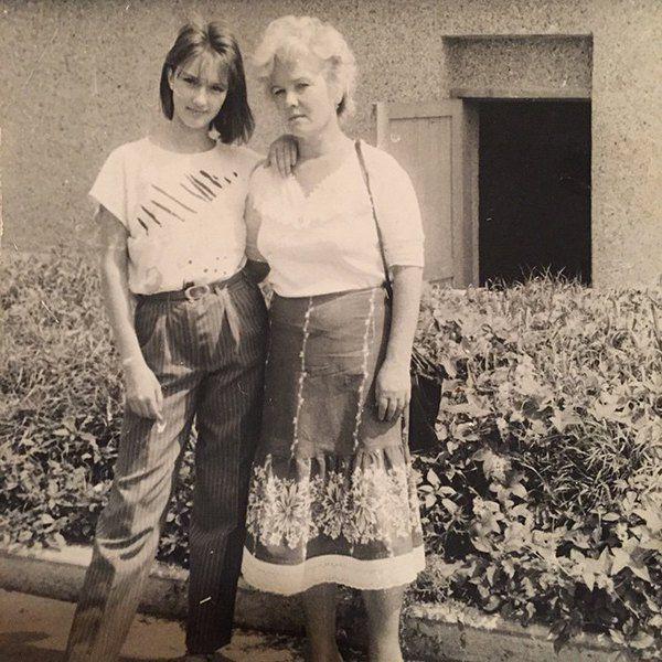 Лера Кудрявцева в 15 лет с мамой