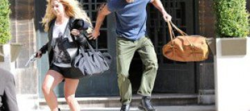 Бритни Спирс и Джейсон Травик ограбили магазин