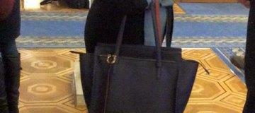 Депутат от Порошенко ходит в Раду с сумками стоимостью больше $1 тыс.