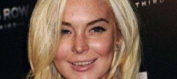 Линдсей Лохан продемонстрировала гниющие зубы
