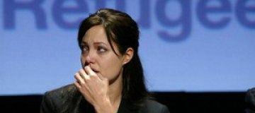 Джоли назначили послом ООН по делам беженцев