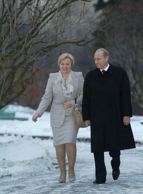 Владимир Путин с женой Людмилой в 2003 году