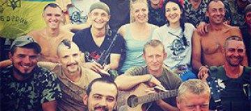 Соломия Витвицкая съездила в гости к бойцам в зону АТО