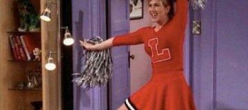 Соцсети захлестнула волна шуток про реакцию Дженнифер Энистон на развод Брэда Питта