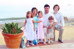 Дети Порошенко участвуют в благотворительности  и ходят без охраны