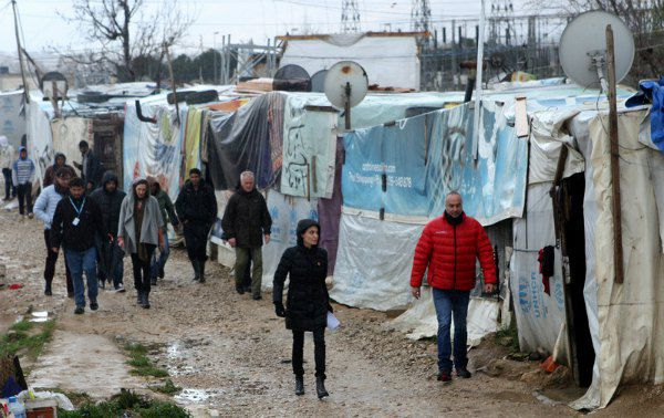 Анджелина Джоли в лагере беженцев в Ливане