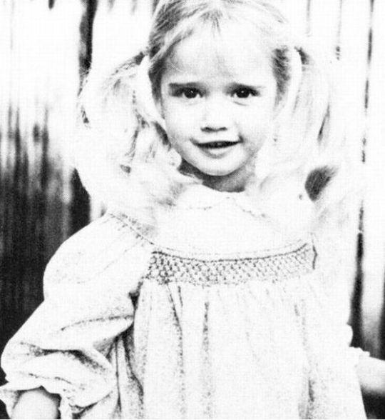 Пэрис Хилтон. 1987 год