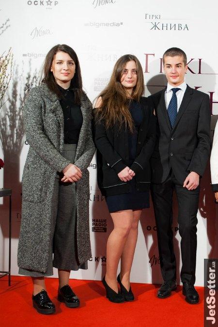 А дети Порошенко пришли в ненавязчивом casual