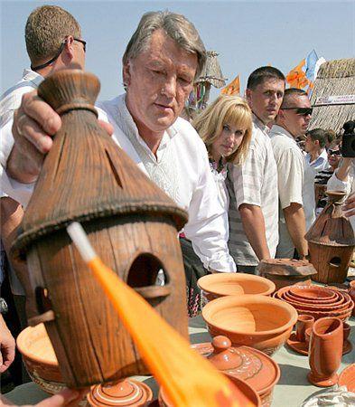 Виктор Ющенко - известный знаток пчеловодства
